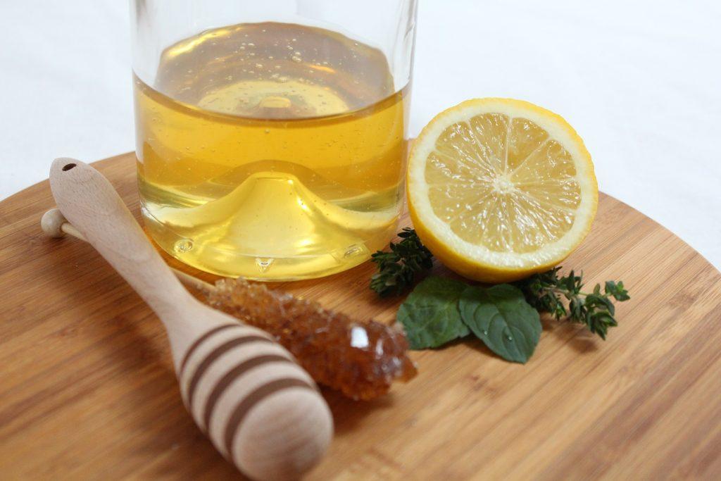 عسل در طب سنتی برای بهبود ناتوانی جنسی در مردان